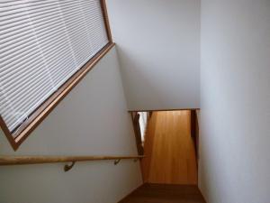 階段上ブラインド